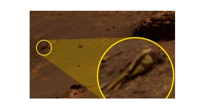 Człekokształtna mumia na Marsie