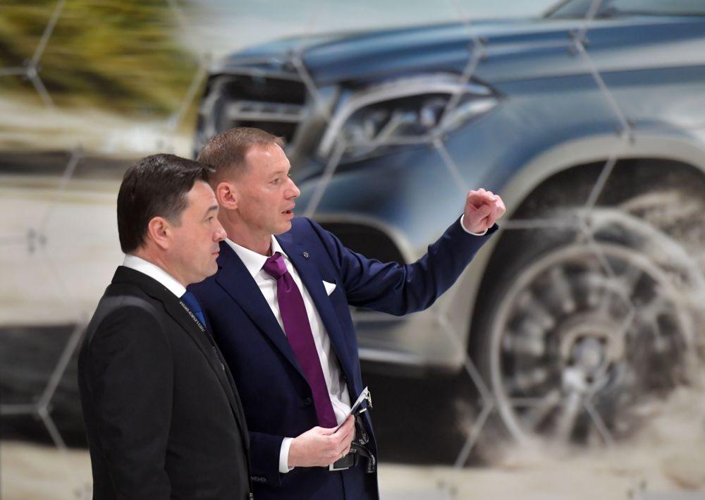 Gubernator obwodu moskiewskiego Andriej Worobiew i Aksel Benz - dyrektor generalny Mercedez-Benz na uroczystościach otwarcia fabryki Mercedes-Benz w obwodzie moskiewskim