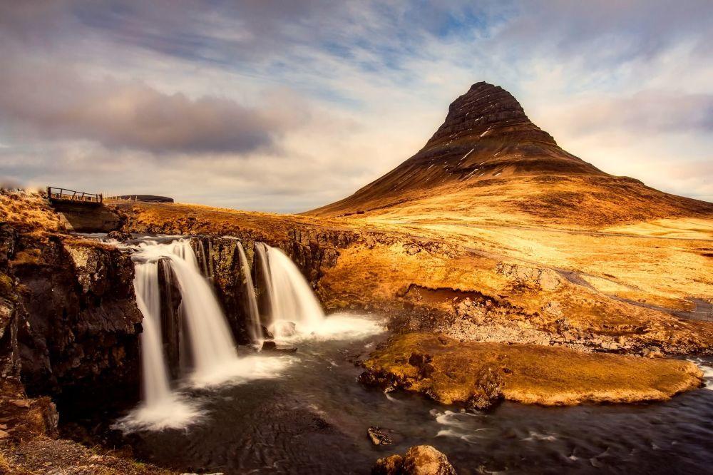 Kirkjufell, góra na zachodnim wybrzeżu Islandii