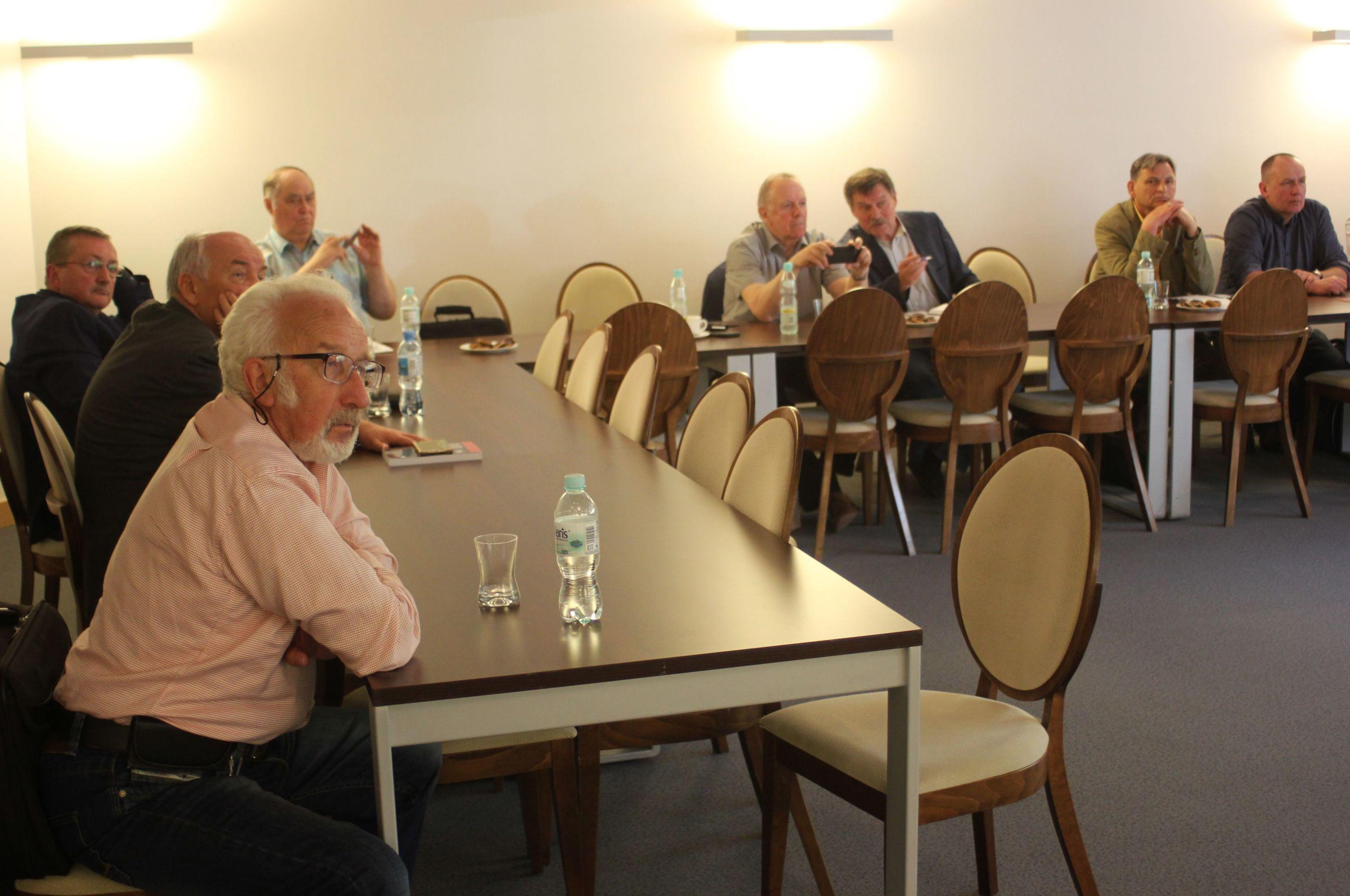 Uczestnicy dyskusji w Elblągu