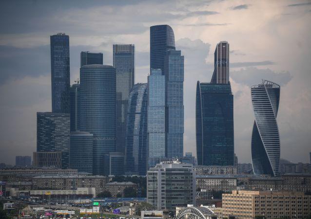 Widok na Moskiewskie Międzynarodowe Centrum Biznesowe (Moskiewskie City)