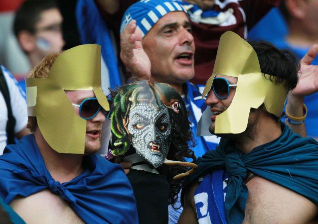 Greccy kibice podczas Euro 2012