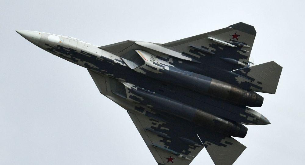 """Su-57 na ogólnorosyjskim etapie zawodów """"Aviadarts 2019"""" na poligonie lotniczym pod Riazaniem"""