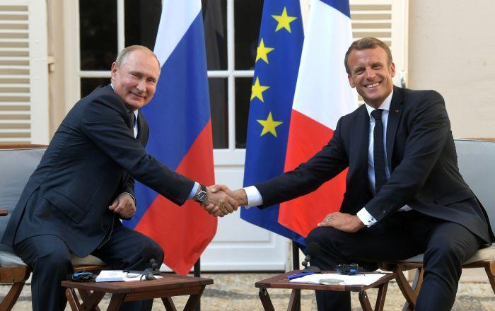 Władimir Putin i Emmanuel Macron podczas spotkania we Francji