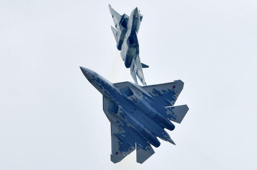 Rosyjskie myśliwce piątego pokolenia Su-57 na Międzynarodowym Salonie Lotniczym i Kosmicznym MAKS 2019