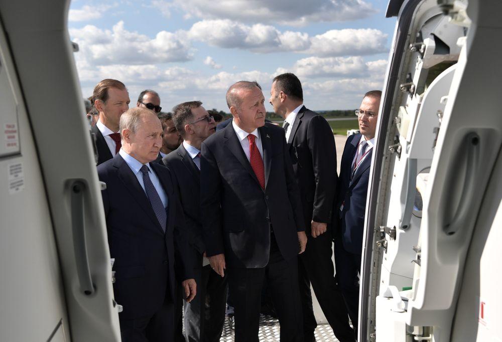 Władimir Putin i Recep Erdogan na Międzynarodowym Salonie Lotniczym i Kosmicznym MAKS 2019