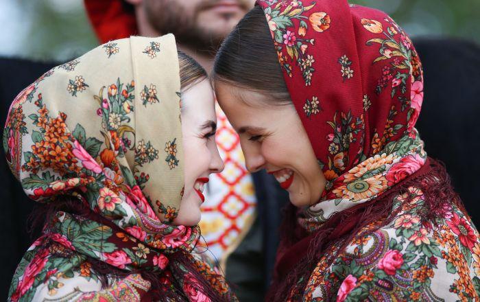 """Artyści chóru kozackiego podczas festiwalu kultury ludowej """"Chwała Kozacka"""" w Kraju Krasnodarskim"""