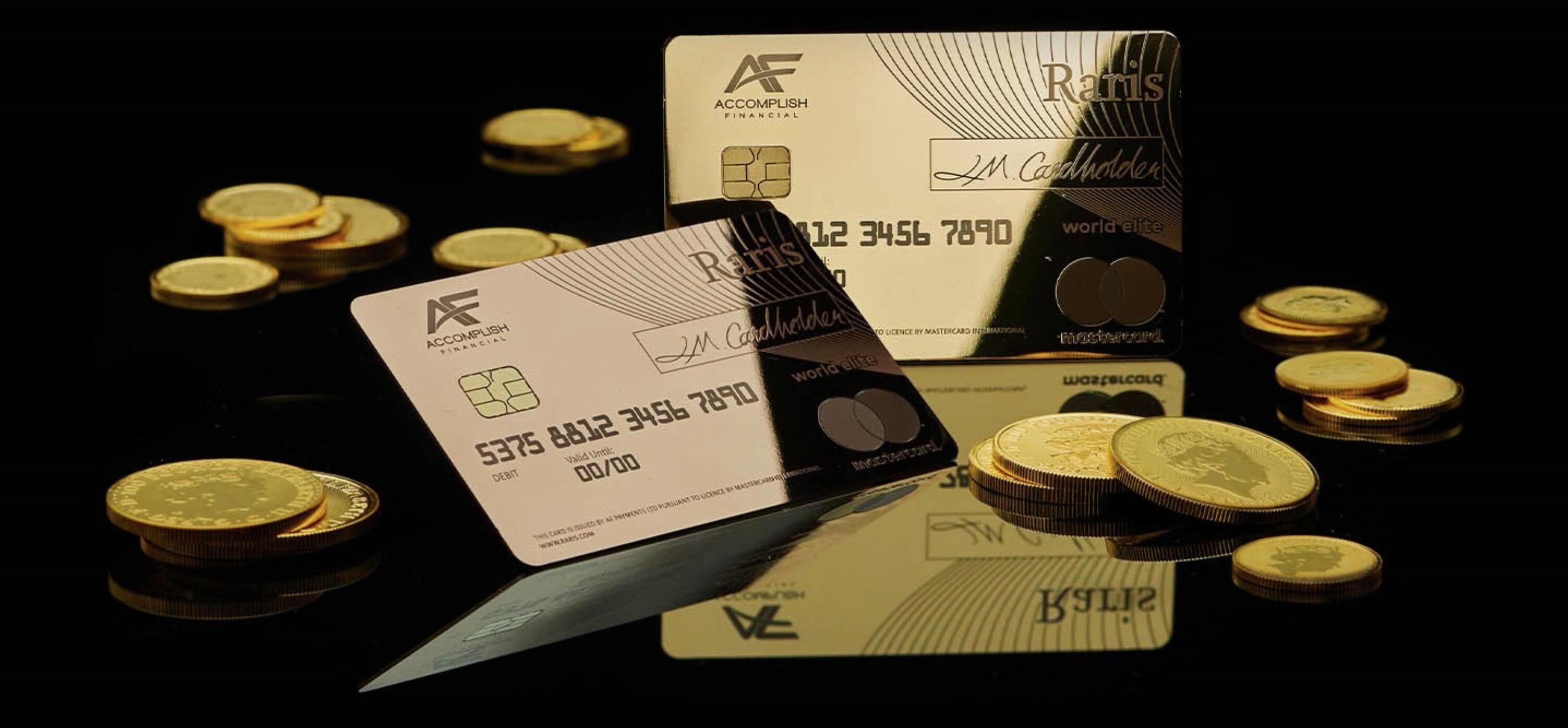 Złota karta do bankomatu z Wielkiej Brytanii
