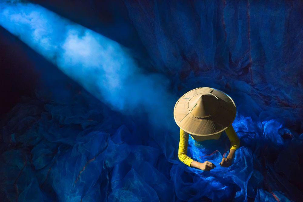 """Zdjęcie """"Power of light"""". Wykonał je fotograf z Birmy w ramach konkursu fotograficznego World's Best Photos of #Blue2019"""