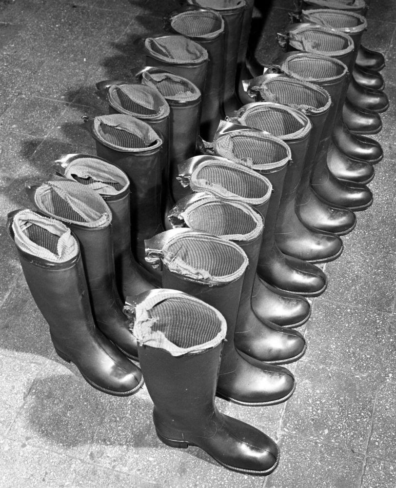 Gumowe kalosze z moskiewskiej fabryki Czerwony bohater, 1962 rok