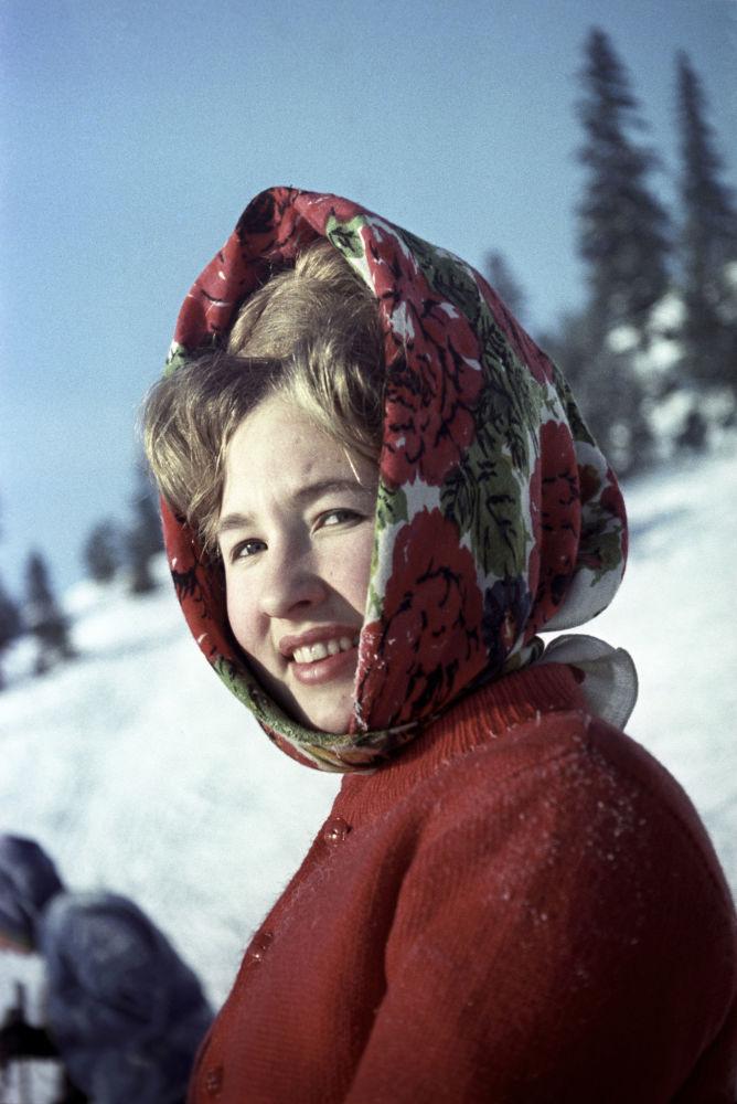 Mieszkanka Permu na nartach, 1966 rok