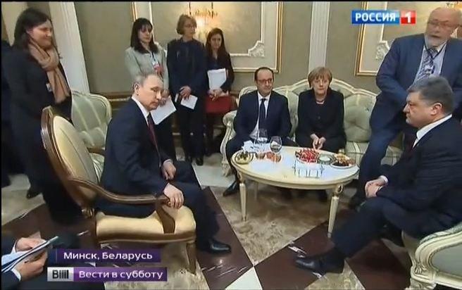 Putin i Poroszenko podczas negocjacji normandzkiej czwórki