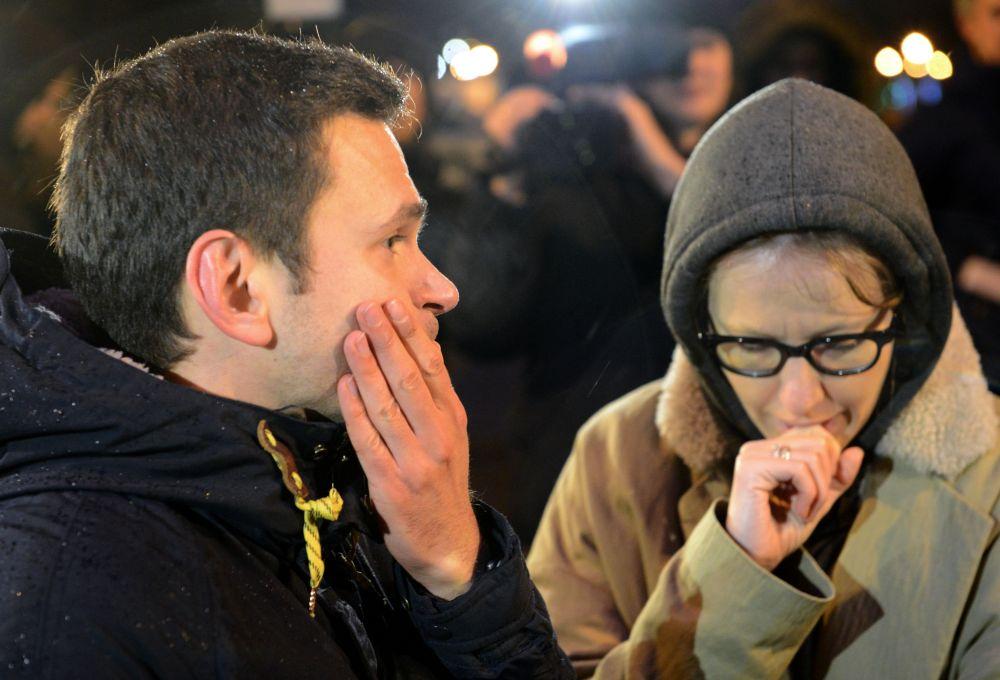 Opozycjonista Ilja Jaszyn i dziennikarka  Ksienija Sobczak na Dużym Moście Moskworeckim w centrum Moskwy, gdzie został zamordowany Borys Niemcow