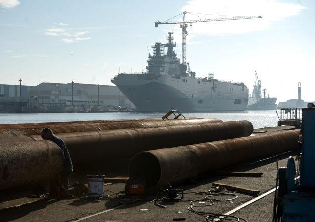 Okręt desantowy typu Mistral
