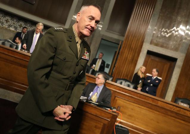 Przewodniczący Kolegium Połączonych Szefów Sztabów Sił Zbrojnych Stanów Zjednoczonych generał Joseph Dunford podczas przesłuchań w Senacie USA