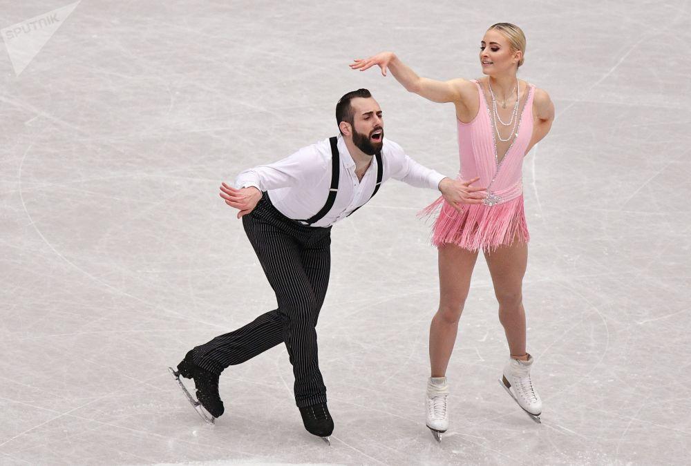 Ashley Kane i Timothy Leduc ze Stanów Zjednoczonych w krótkim programie par na Mistrzostwach Świata w łyżwiarstwie figurowym w Saitame.