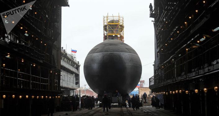 """Wodowanie okrętu podwodnego """"Pietropawłowsk Kamczacki"""" projektu 636.3 """"Warszawianka"""" w Petersburgu"""