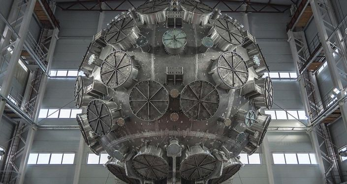 Komora do eksperymentów nad kontrolowaną laserową syntezą termojądrową