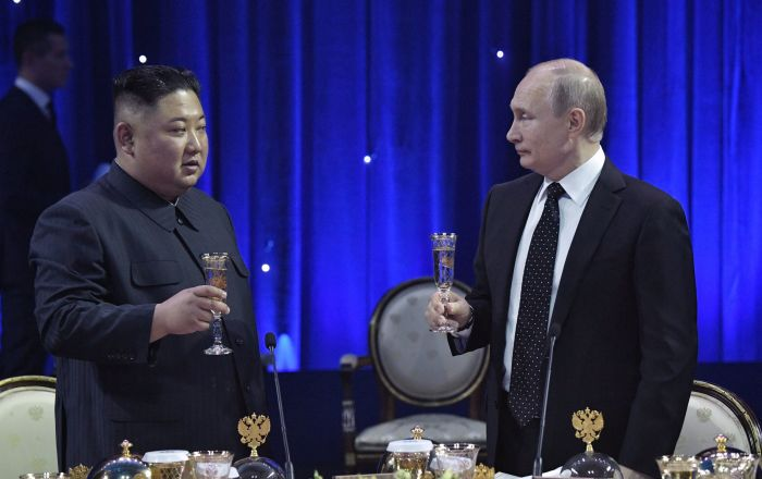 Władimir Putin i Kim Dzong Un po zakończeniu niegocjacji we Władywostoku