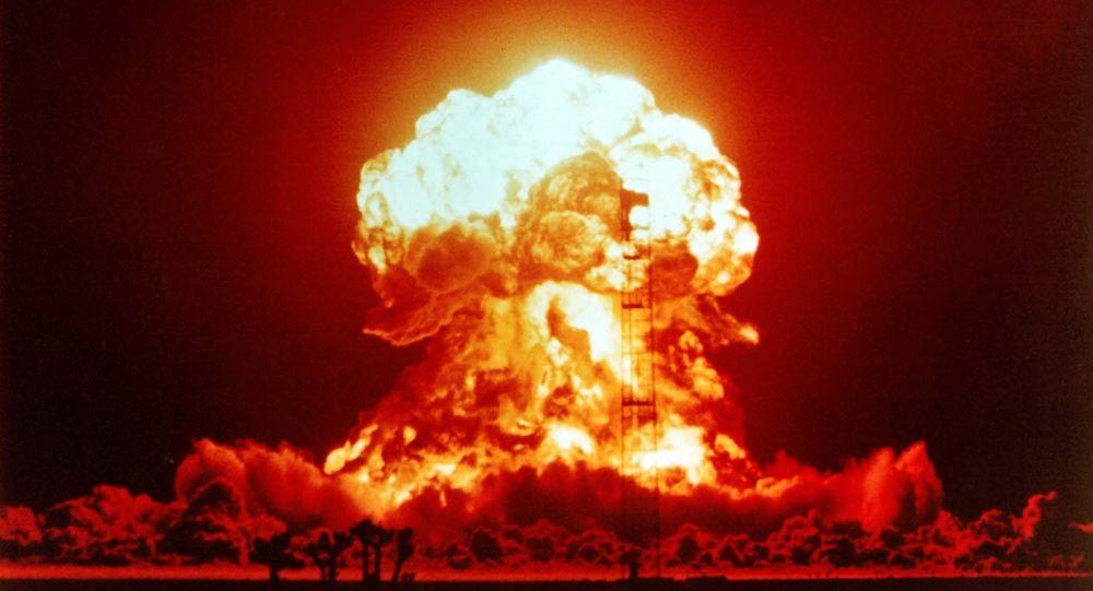 Wybuch jądrowy na amerykańskiej pustyni Nevada, 1953 rok