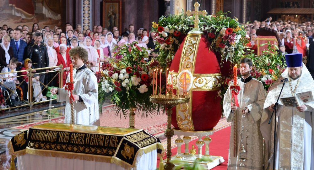 Wielkanocna liturgia w katedrze Chrystusa Zbawiciela w Moskwie