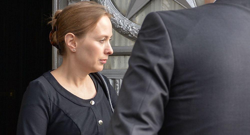 Ambasador Polski Katarzyna Pełczyńska-Nałęcz wychodzi z budynku MSZ Rosji