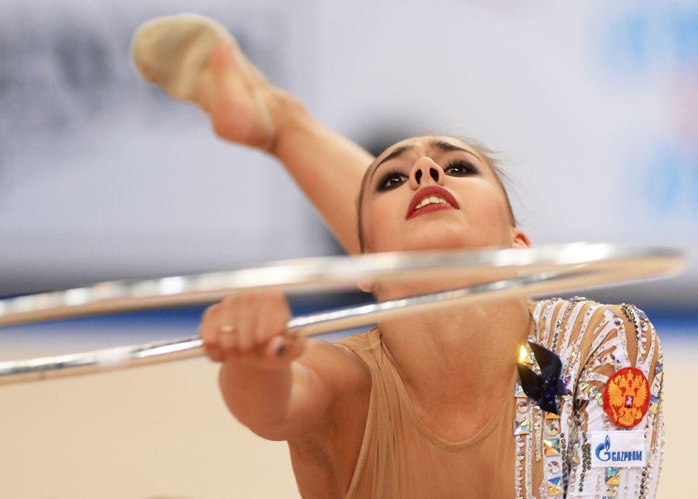 Rosyjska gimnastka Margarita Mamun podczas występu na Mistrzostwach Świata