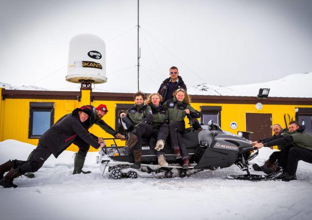Członkowie 44. Polskiej Wyprawy Antarktycznej