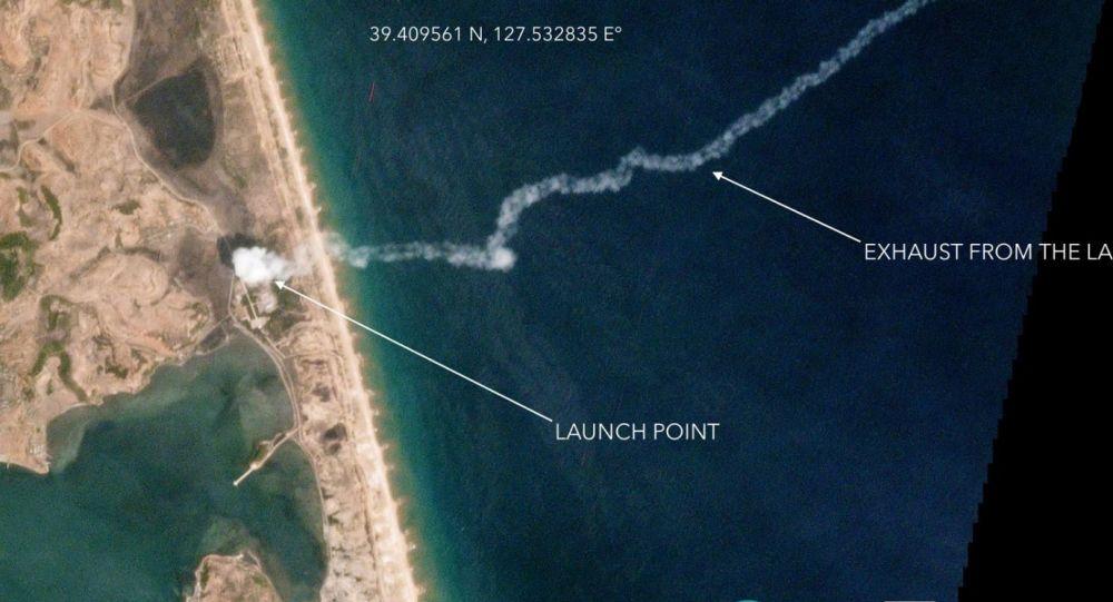 Satelitarne zdjęcie testów rakiety balistycznej małego zasięgu w w KRLD