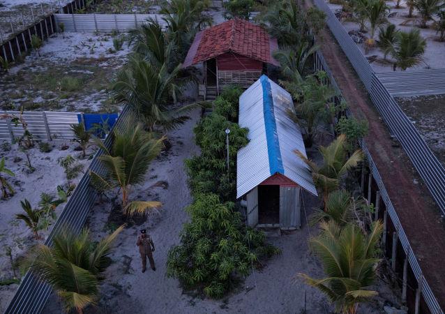 Policja w obozie szkoleniowym na Sri Lance