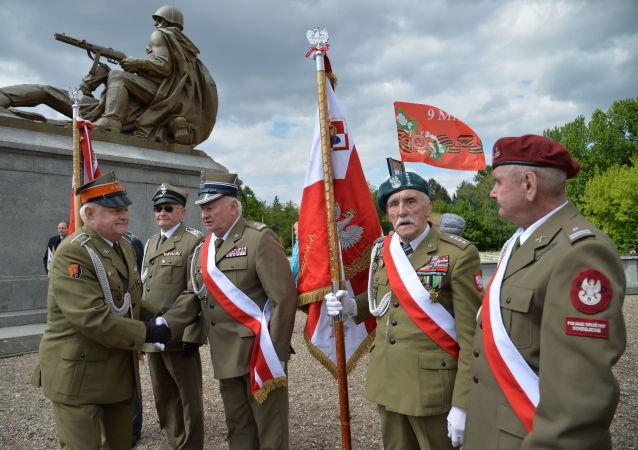 """Akcja """"Nieśmiertelny pułk"""" w Warszawie"""