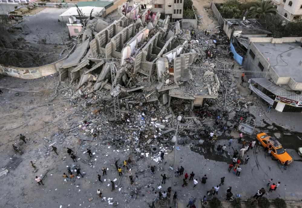 Zniszczony podczas nalotów budynek w Gazie.