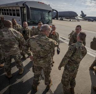 Amerykańscy żołnierze przed wysłaniem za granicę