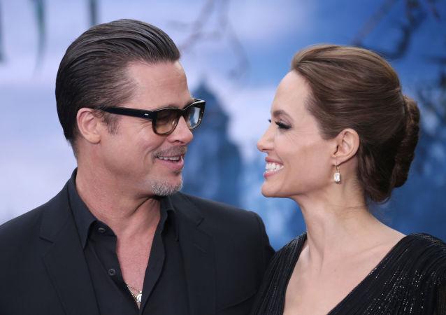 Amerykańscy aktorzy Brad Pitt i Angelina Jolie
