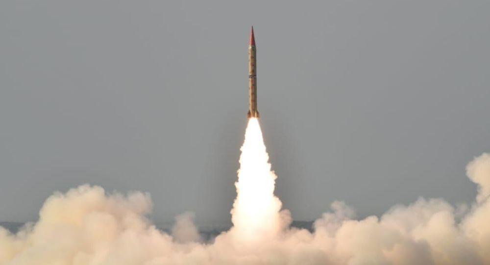"""Wystrzelenie rakiety balistycznej """"Shahin-2"""" klasy ziemia-ziemia"""