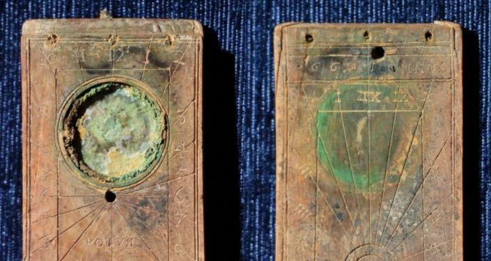 """Kaliningrad: znaleziono zegarek, który 420 lat temu został """"spuszczony w toalecie"""""""