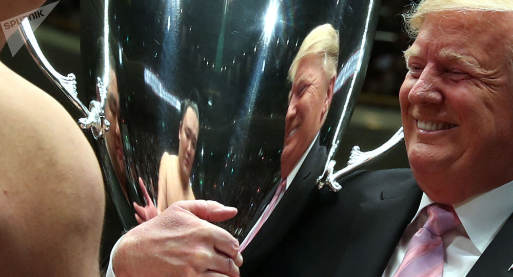 Donald Trump na turneju sumo w Tokio