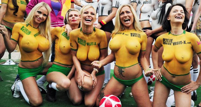 Mecz piżki nożnej Sexy Soccer 2010 w Berlinie