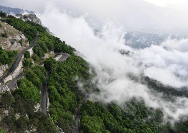 Droga na górze Aj-Petri, Krym