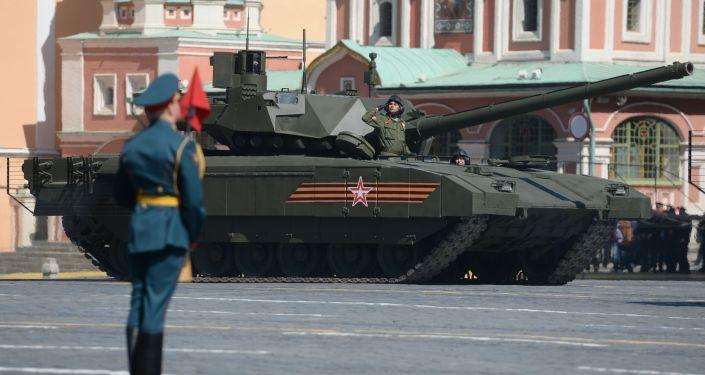 Czołg Т-14 podczas próby generalnej defilady wojskowej