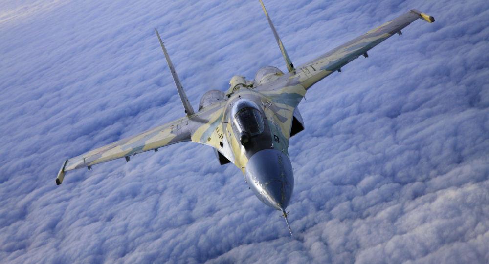 Myśliwiec Su-35