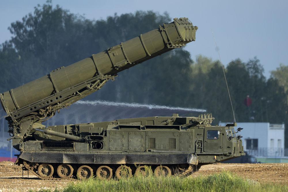 Rosyjski system działa przeciwlotniczego S-300WM na Międzynarodowym wojskowo-technicznym forum Аrmia-2015