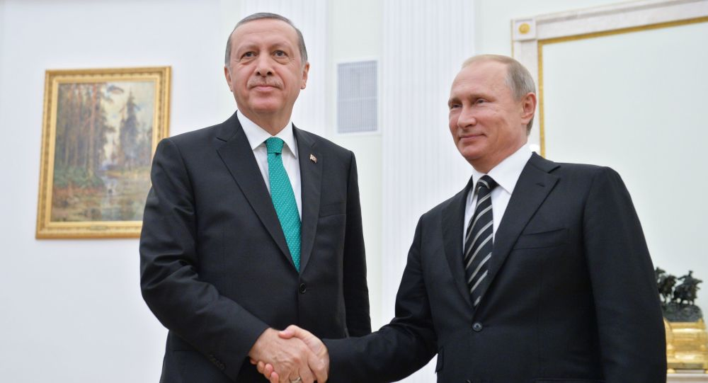 Prezydent Turcji Recep Tayyip Erdoğan i prezydent Rosji Władimir Putin podczas spotkania na Kremlu