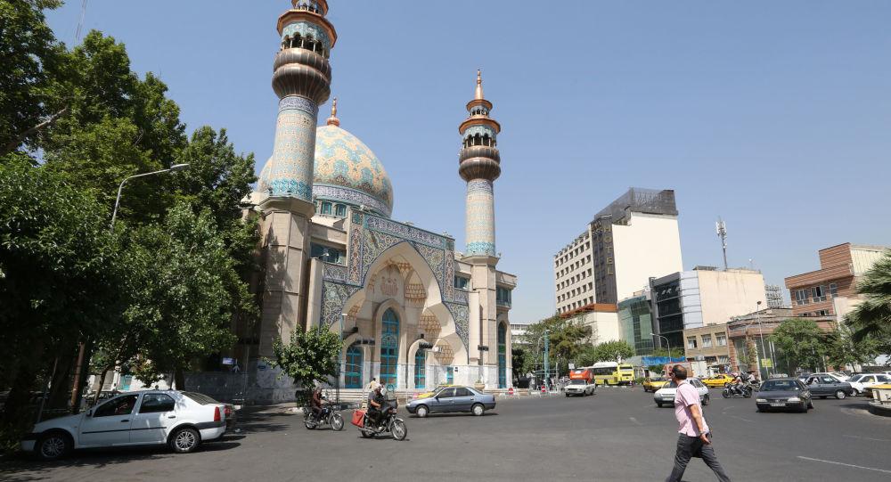 Widok na meczet w Teheranie, Iran