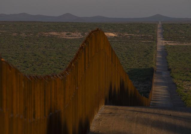 Ogrodzenie na granicy meksykańsko-amerykańskiej