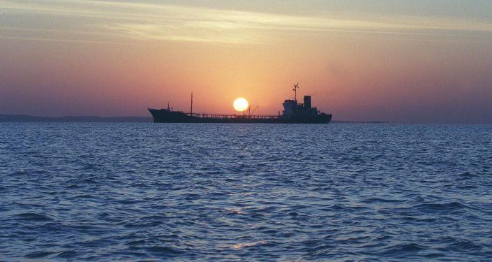 Irański tankowiec w Cieśninie Ormuz