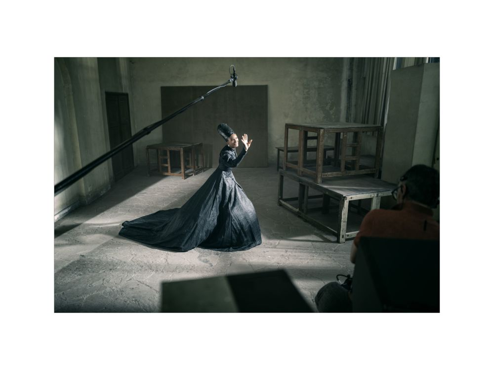 Aktorka Indya Moore podczas sesji fotograficznej dla kalendarza Pirelli 2020