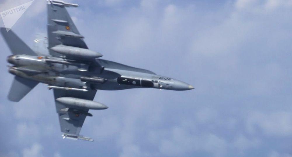 Myśliwiec F-18, który próbował zbliżyć się do samolotu ministra obrony Rosji Siergieja Szojgu nad Morzem Bałtyckim