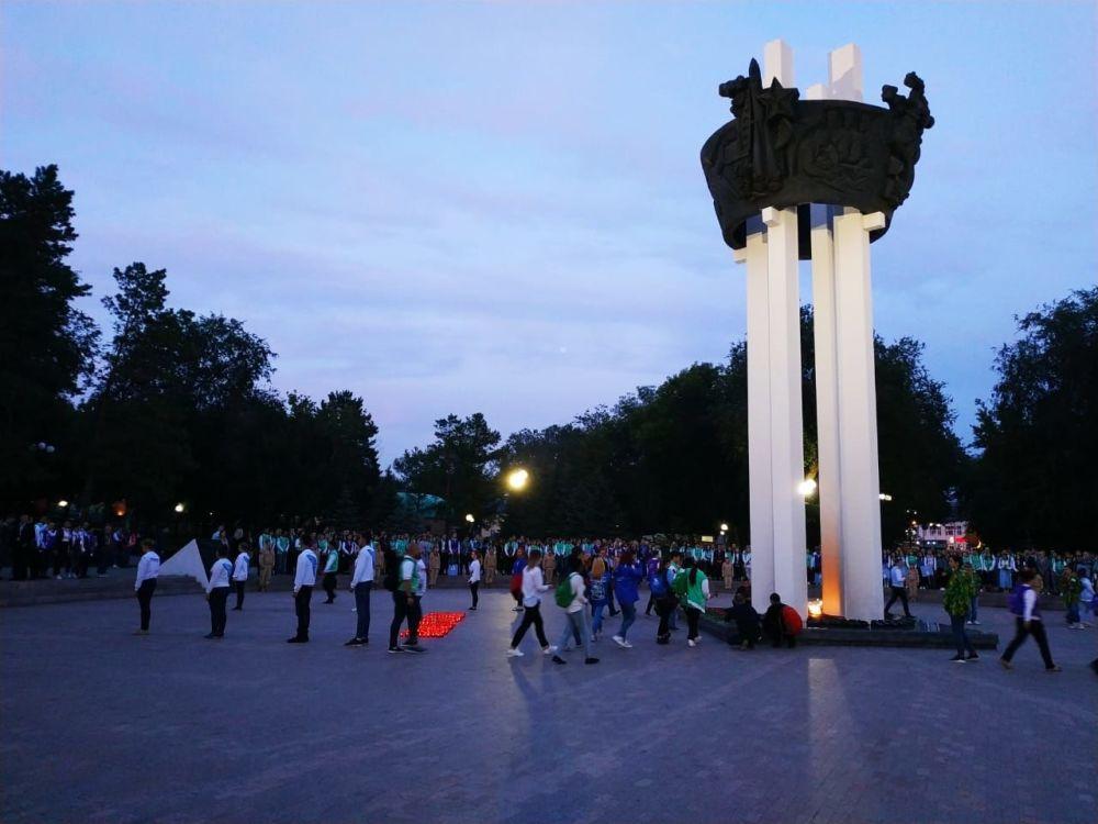 """Pomnik """"Wieczny Ogień"""" w kompleksie wystawienniczym """"Salut, Zwycięstwo!"""""""