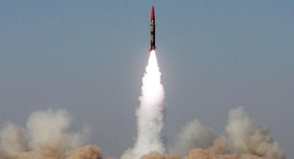 """Testy rakiety balistycznej krótkiego zasięgu """"Ghaznavi"""" w Pakistanie. 2008 rok"""